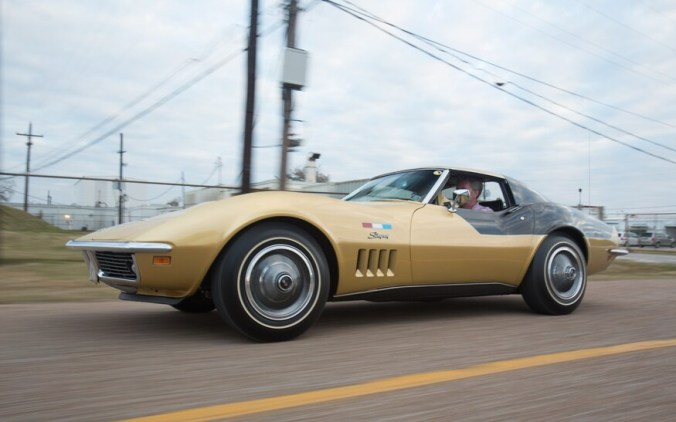 1969-Chevrolet-Astrovette-front-three-quarters-in-motion-7